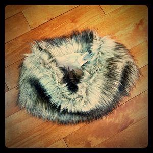 Accessories - Fur Neck Warmer
